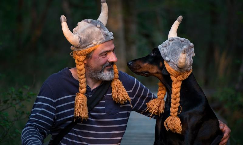 викинг и собака