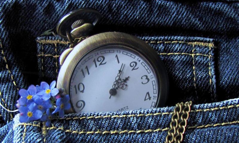 часы и джинсы