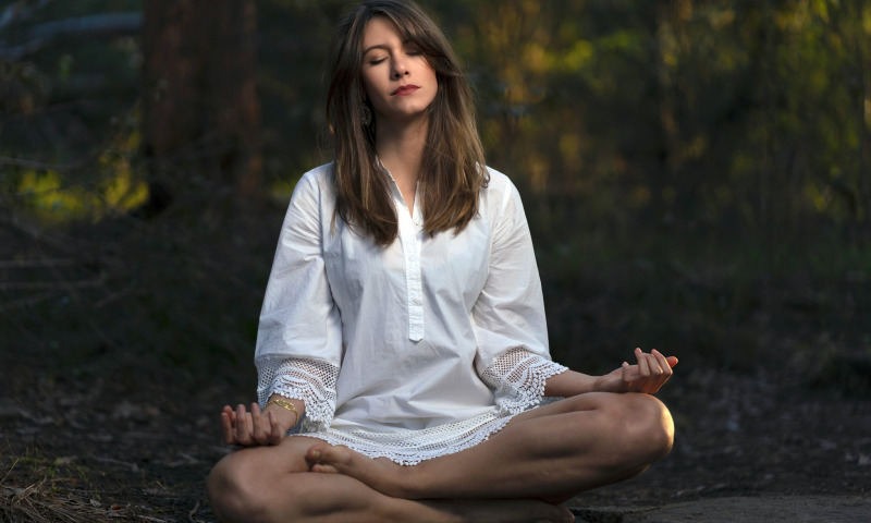 медитация девушка