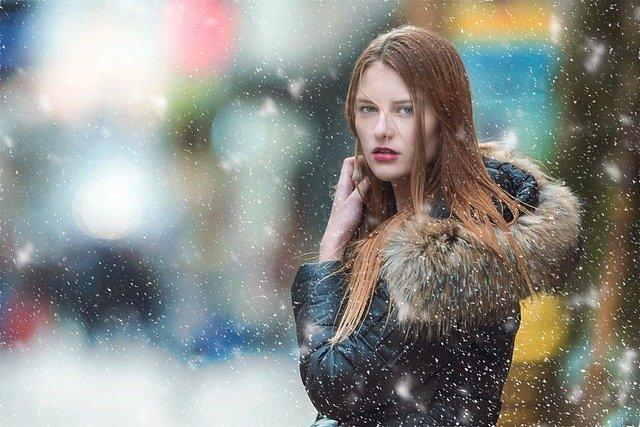 снег девушка